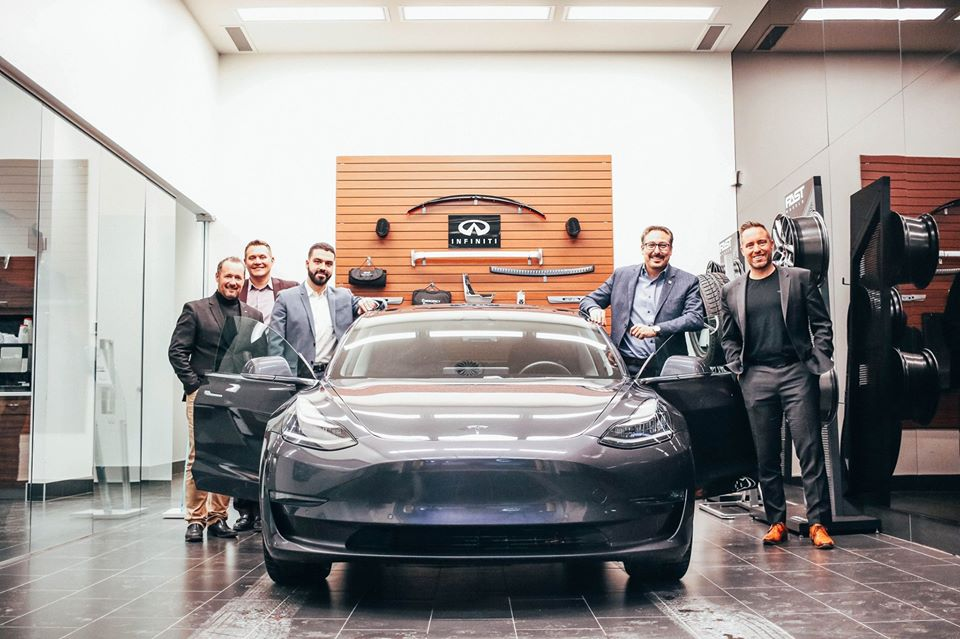 Infiniti Tesla