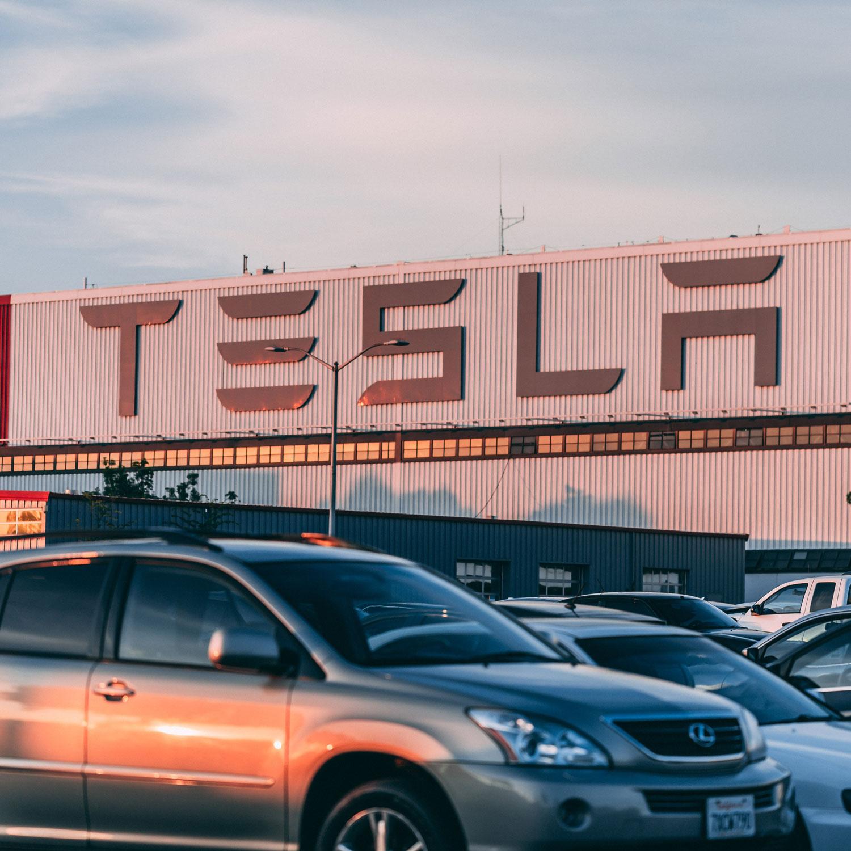 """Cardesignworld Na Instagramie 2020 Tesla Roadster: Elon Musk """"przeszukuje"""" Stany, Aby Znaleźć Odpowiednie"""