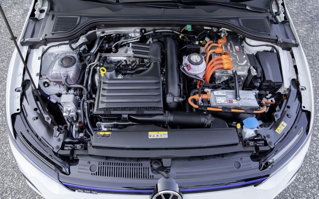 Silniki w Golfie GTE