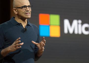 Microsoft podnosi rękawicę. Ich AI też potrafi dzwonić i to po chińsku – wideo
