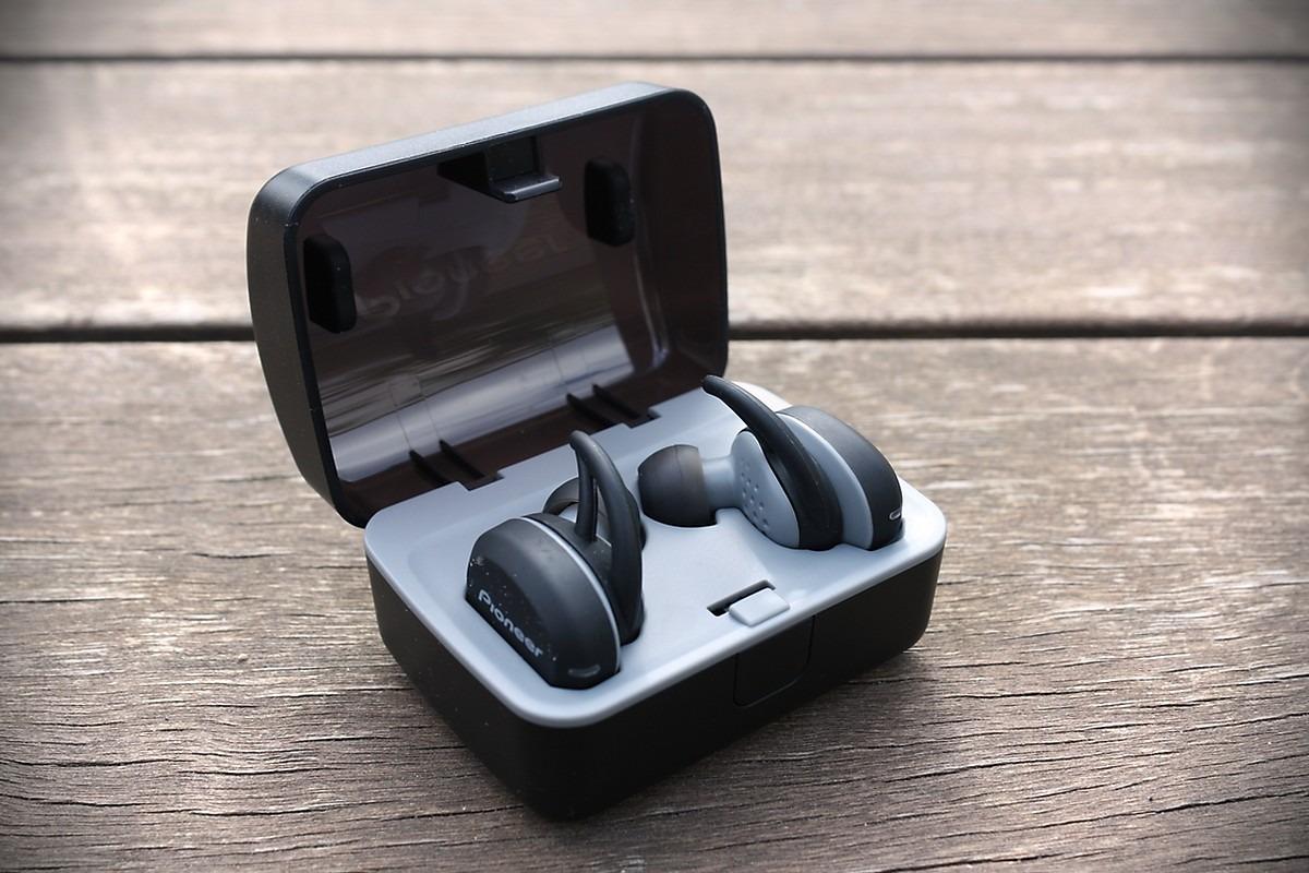 Słuchawki Pioneer E8 Truly Wireless (Pioneer SE-E8TW) z etui