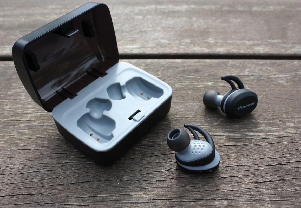 Pioneer SE-E8TW - bezprzewodowe słuchawki fitness klasy premium ...