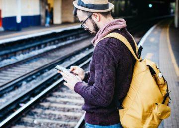 Za starzy na FaceID, za młodzi na PIN - co blokada smartfona mówi o twoim wieku