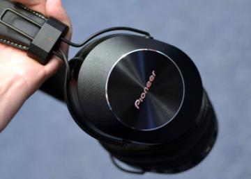 Pioneer SE-MS7BT-K – słuchawki dla fanów stylu vintage