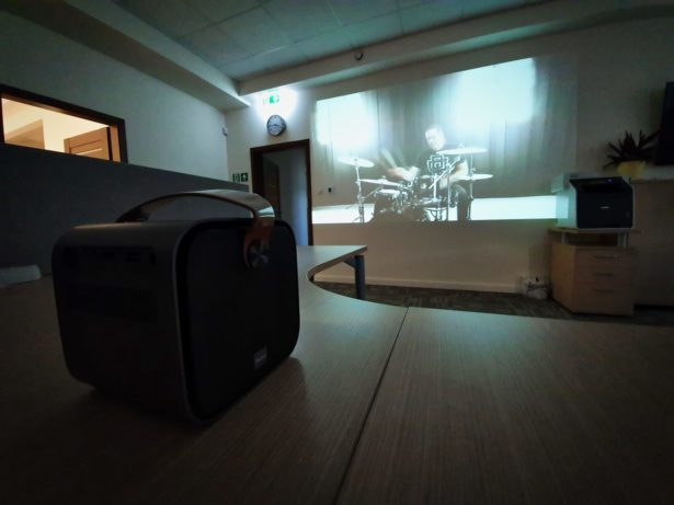 Pioneer travel projector 9