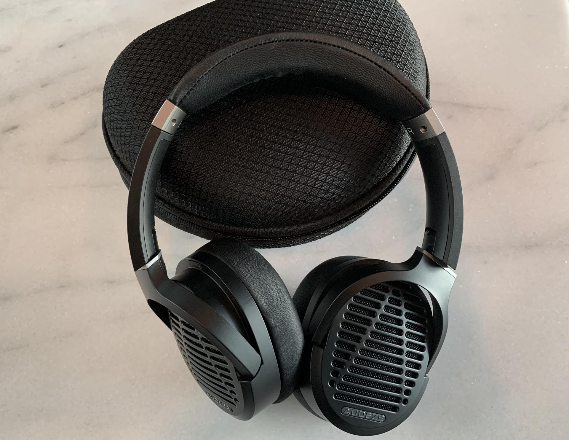 AUDEZE LCD-1: słuchawki i etui podróżne