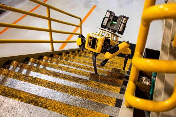Robot Boston Dynamics podczas pracy w fabryce Forda