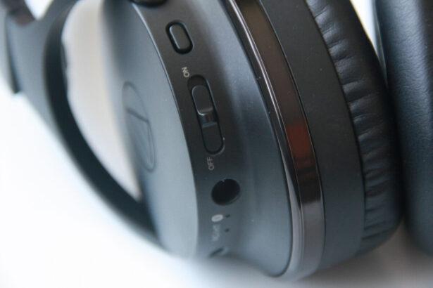 Przyciski na słuchawkach ATH-ANC900BT