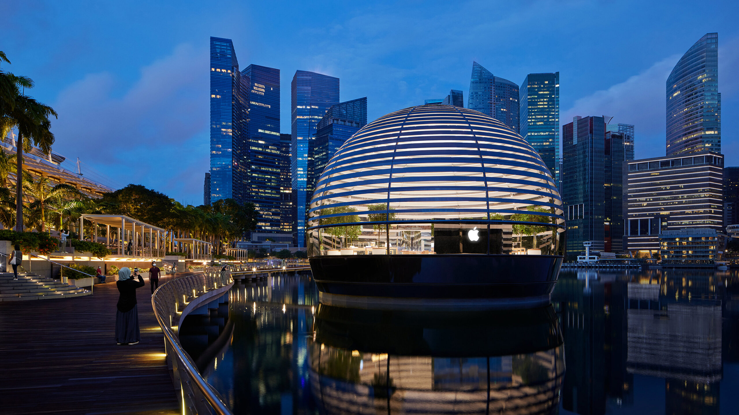 apple nso marina bay sands exterior 09072020 Full Bleed Image.jpg.large 2x scaled